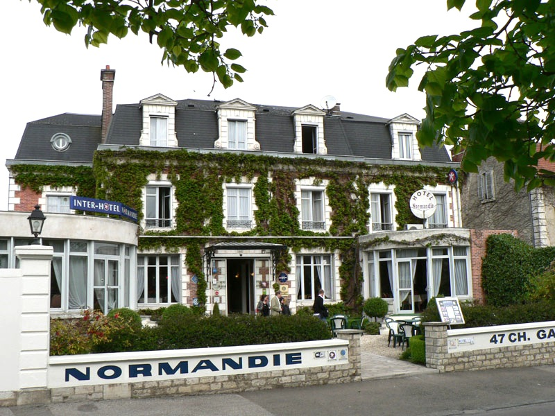 Inter hotel normandie auxerre france wishurhere for Hotel design normandie