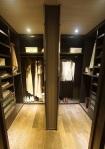 Circle 11 -Walk-in Closet