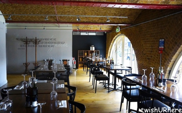 Zizzi Restaurant St Katherines Dock